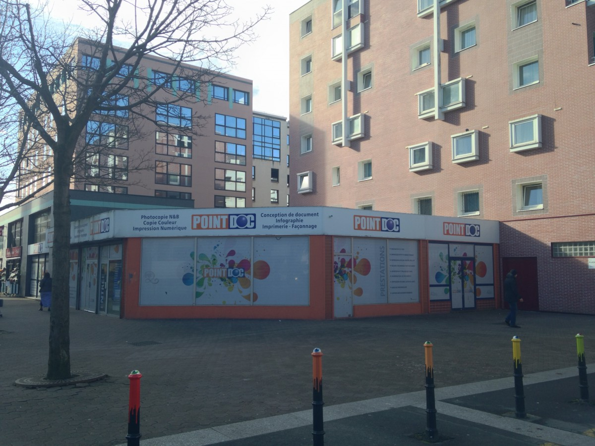 Transaction : local commercial de 136 m² à Evry