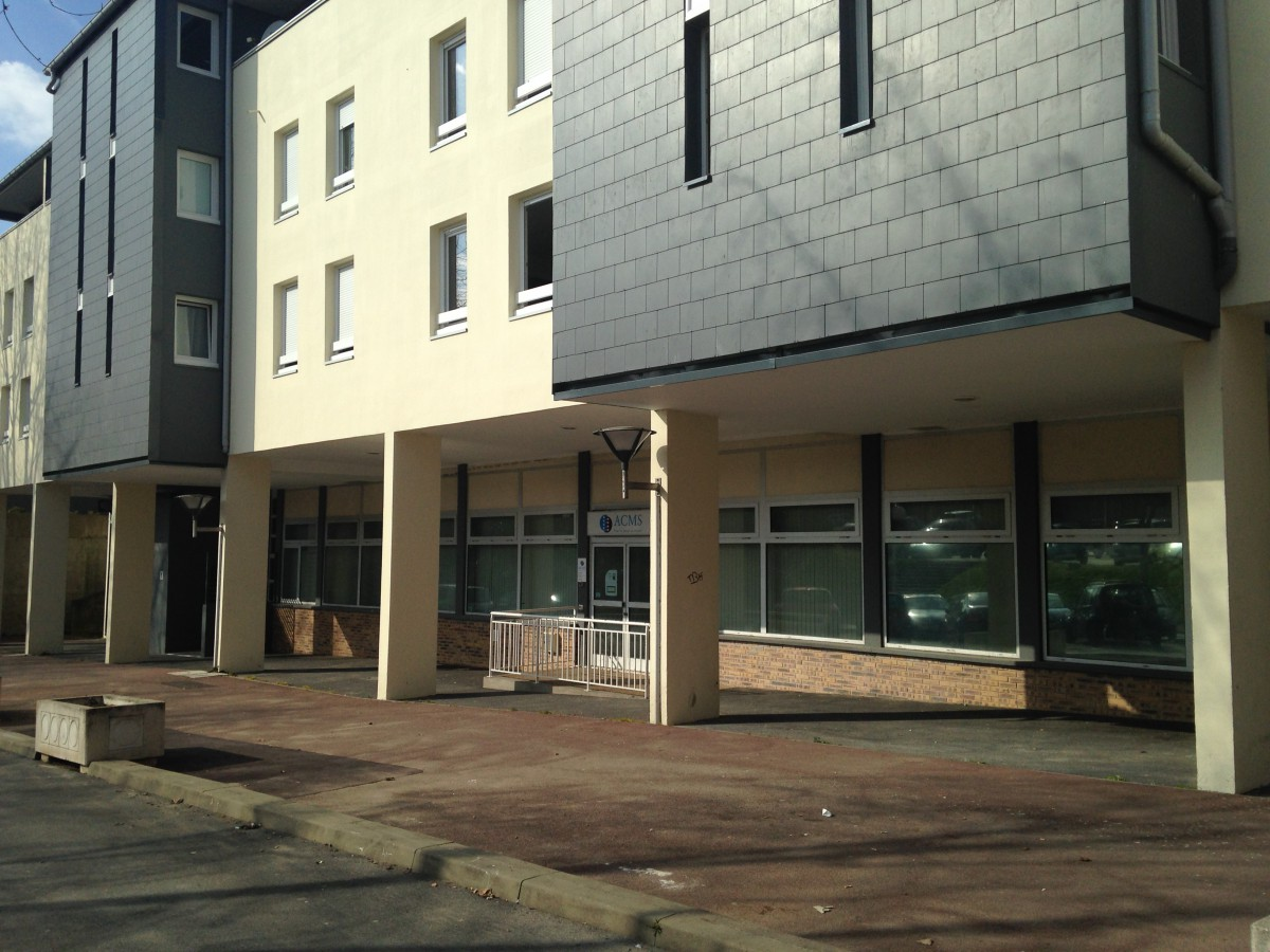 Transaction : local commercial de 150 m² à Evry